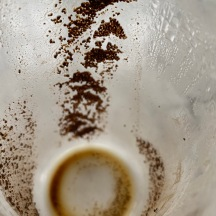 20210110_10_43 ground coffee in coffee maker glass beaker